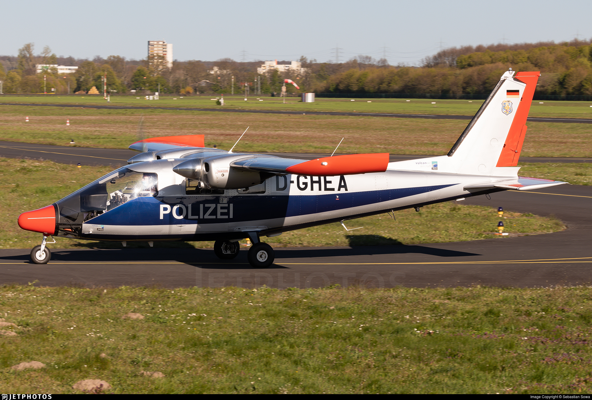 D-GHEA - Vulcanair P.68 Observer 2 - Germany - Police
