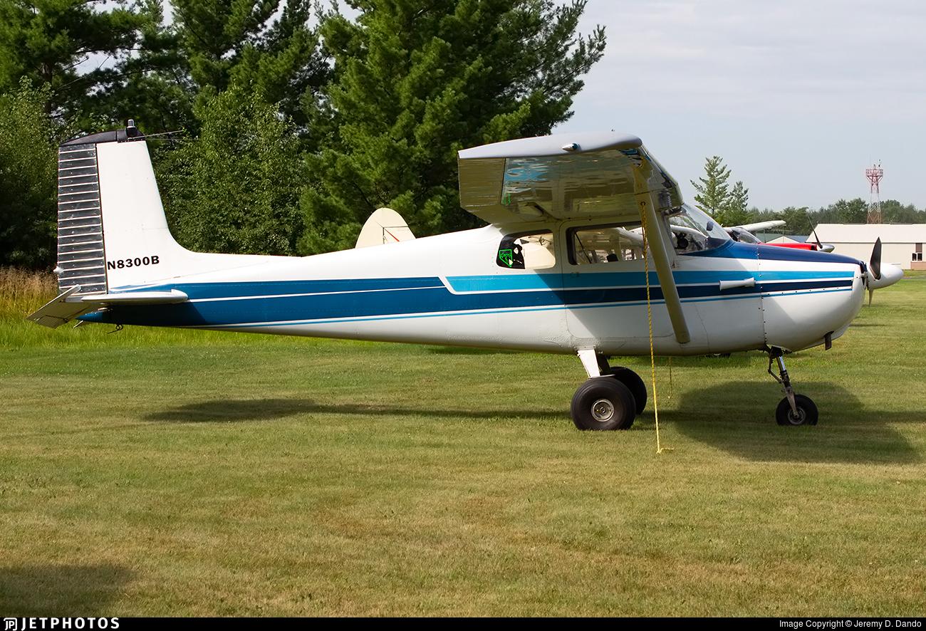 N8300B - Cessna 172 Skyhawk - Private