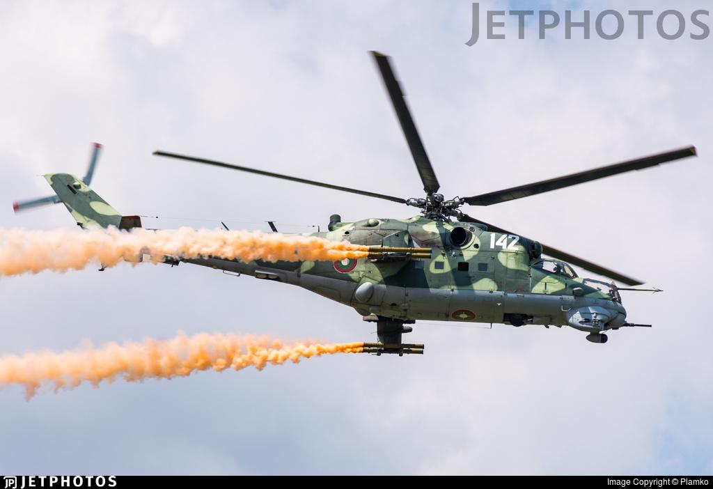 142 - Mil Mi-24V Hind E - Bulgaria - Air Force