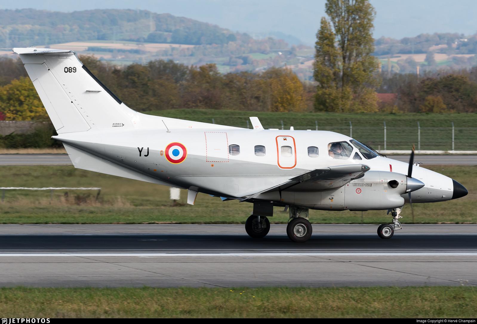 089 - Embraer EMB-121AA Xingú - France - Air Force