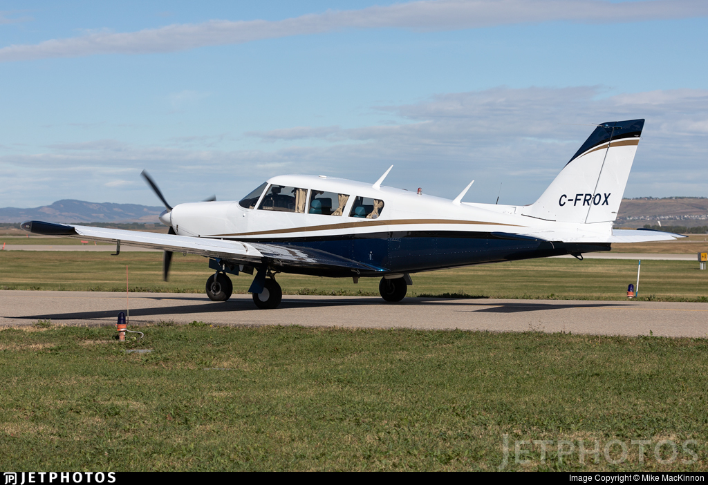 C-FROX - Piper PA-24-260 Comanche C - Private