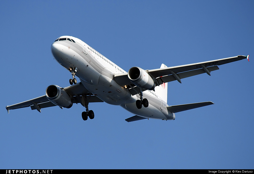 I-EEZP - Airbus A320-233 - Meridiana