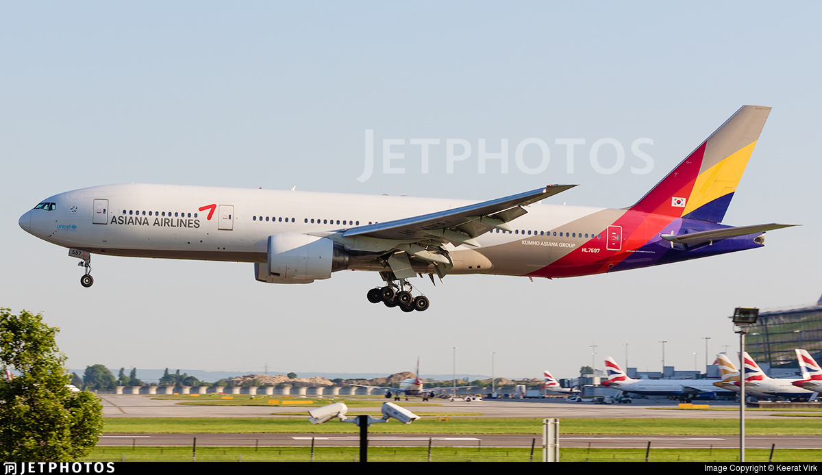 HL7597 - Boeing 777-28E(ER) - Asiana Airlines