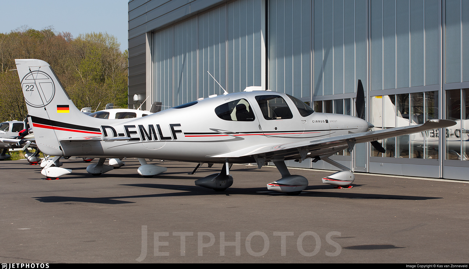 D-EMLF - Cirrus SR22T - Private