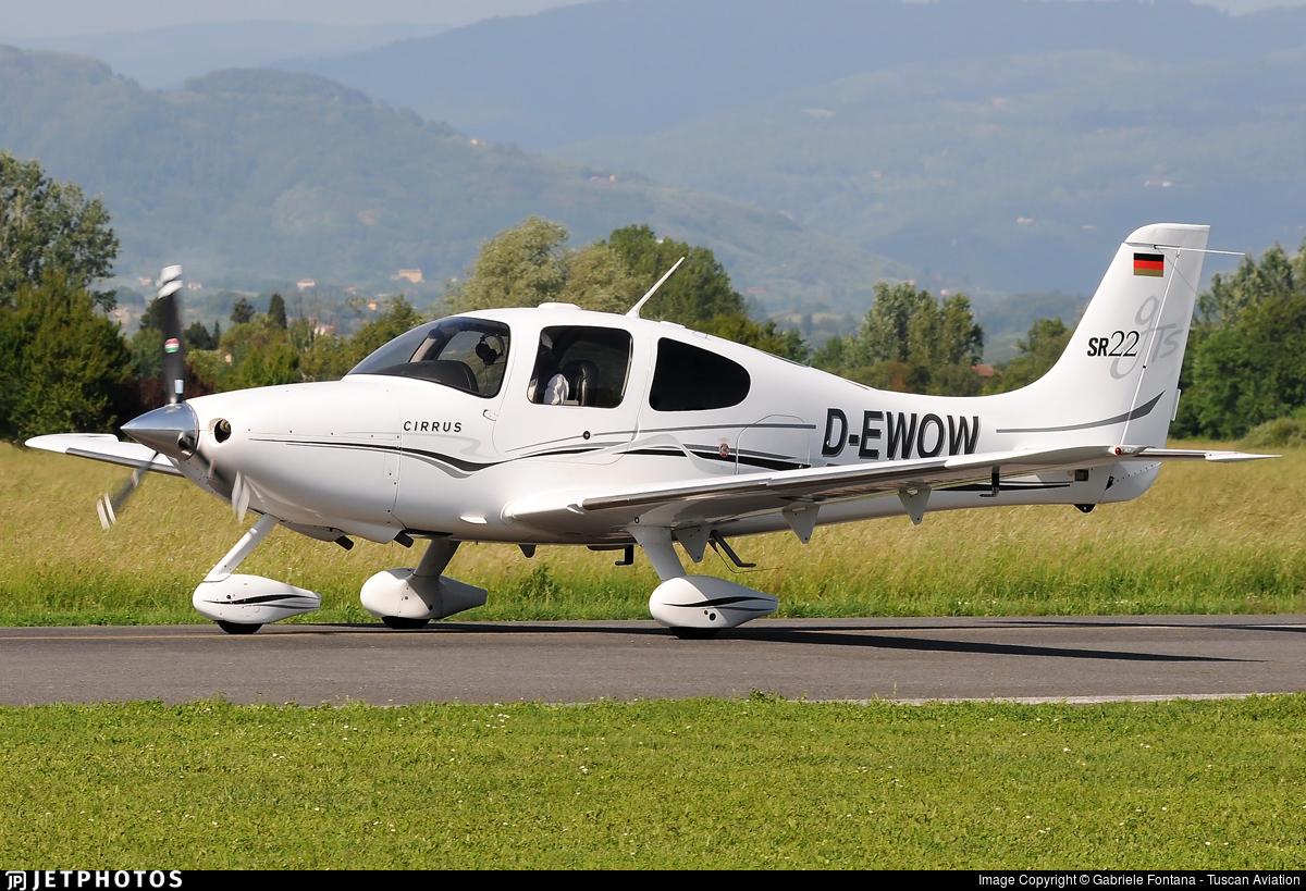 D-EWOW - Cirrus SR22-GTS - Private