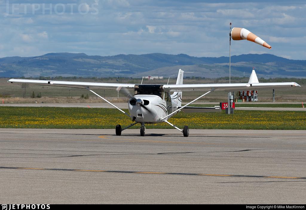 C-GEFJ - Cessna 172S Skyhawk SP - Edmonton Flying Club