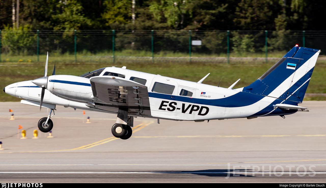 ES-VPD - Piper PA-34-220 Seneca III - Private