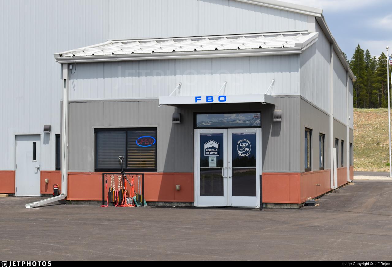 KLXV - Airport - Terminal