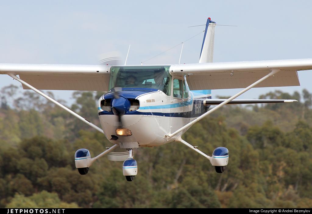 VH-XPK - Cessna R172K Hawk XP II - Private