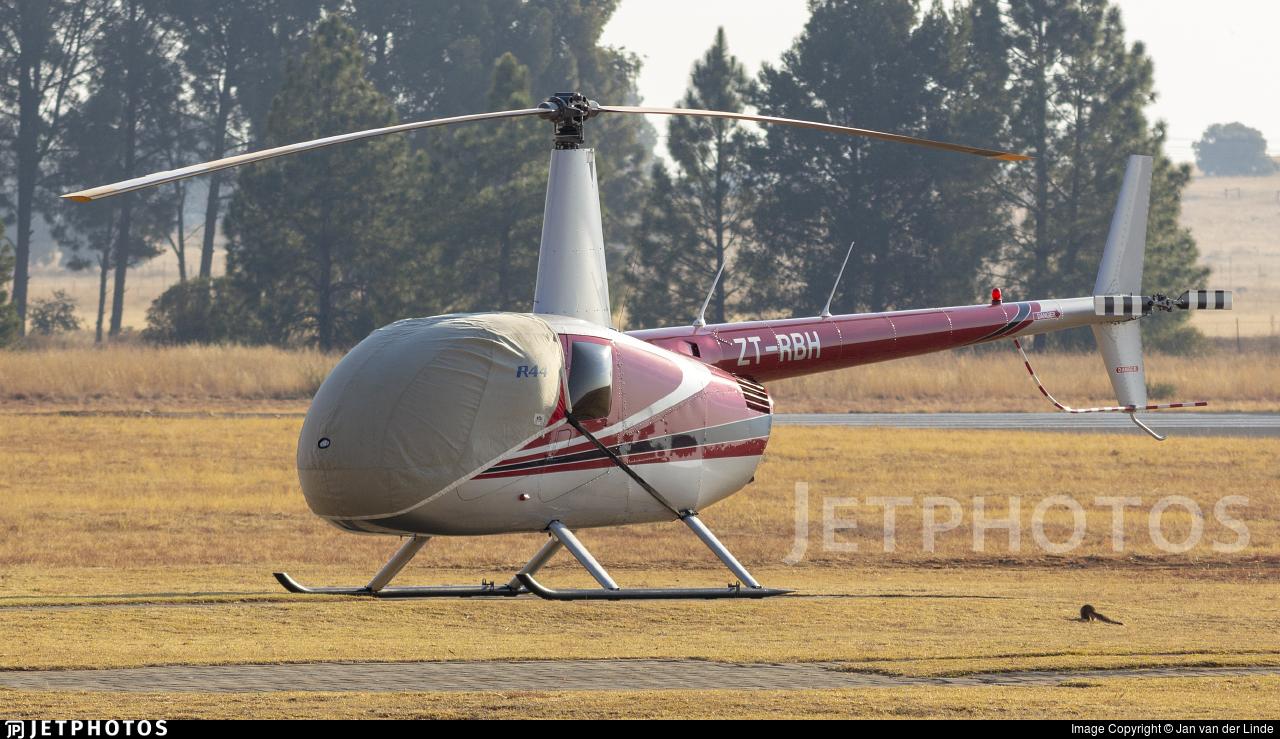 ZT-RBH - Robinson R44 Raven II - Private