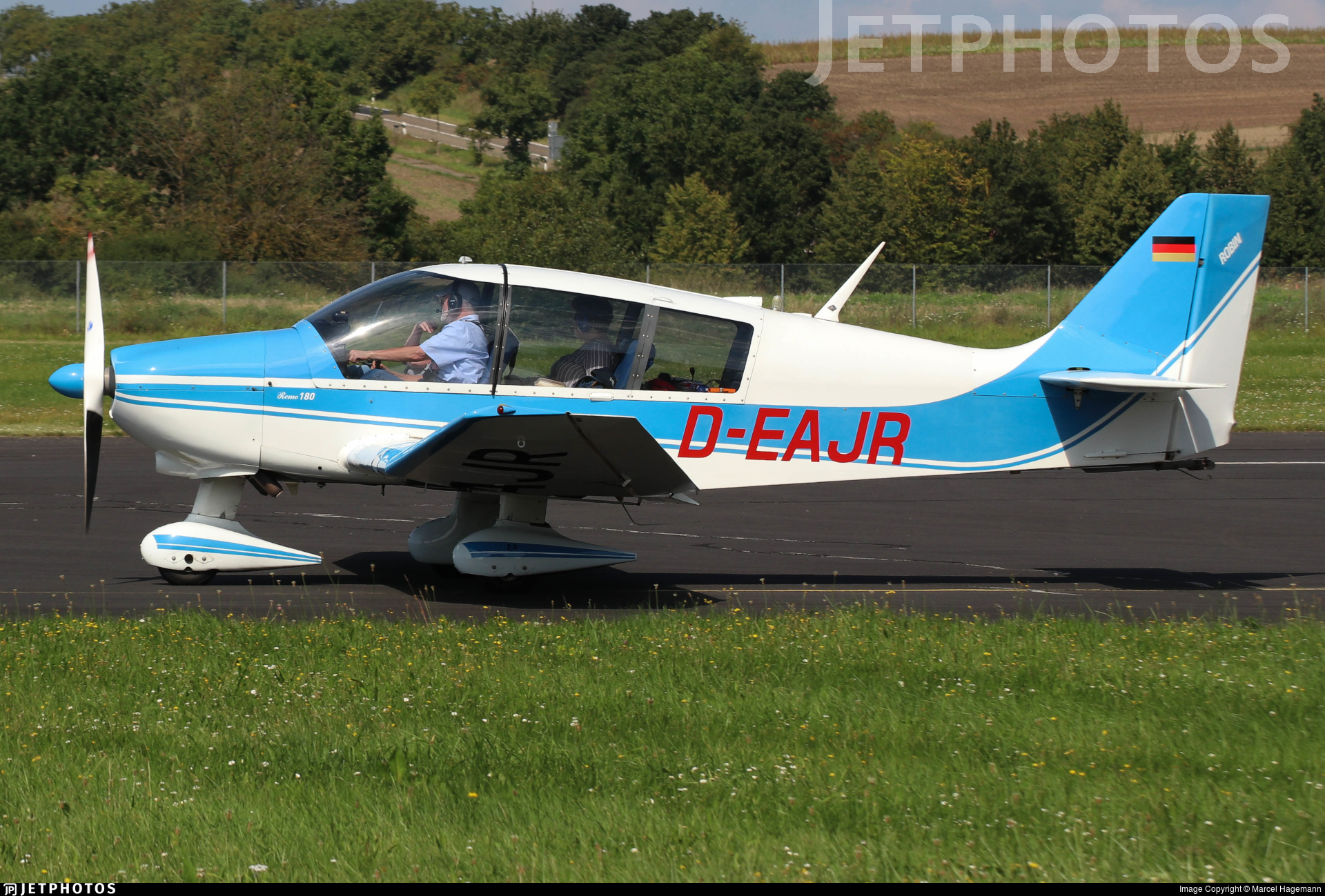 D-EAJR - Robin DR400/180R Remorqueur - Private