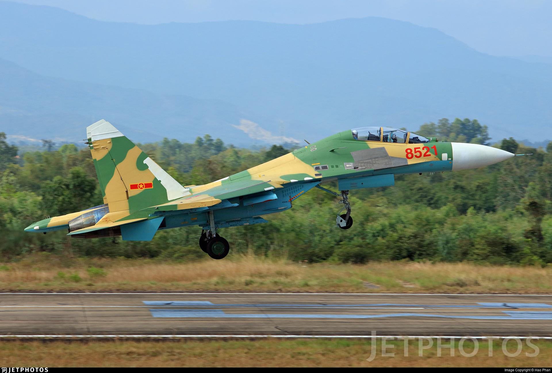 8521 - Sukhoi Su-27UB Flanker C - Vietnam - Air Force