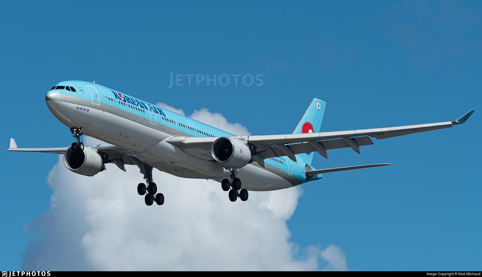 HL8001 - Airbus A330-323 - Korean Air