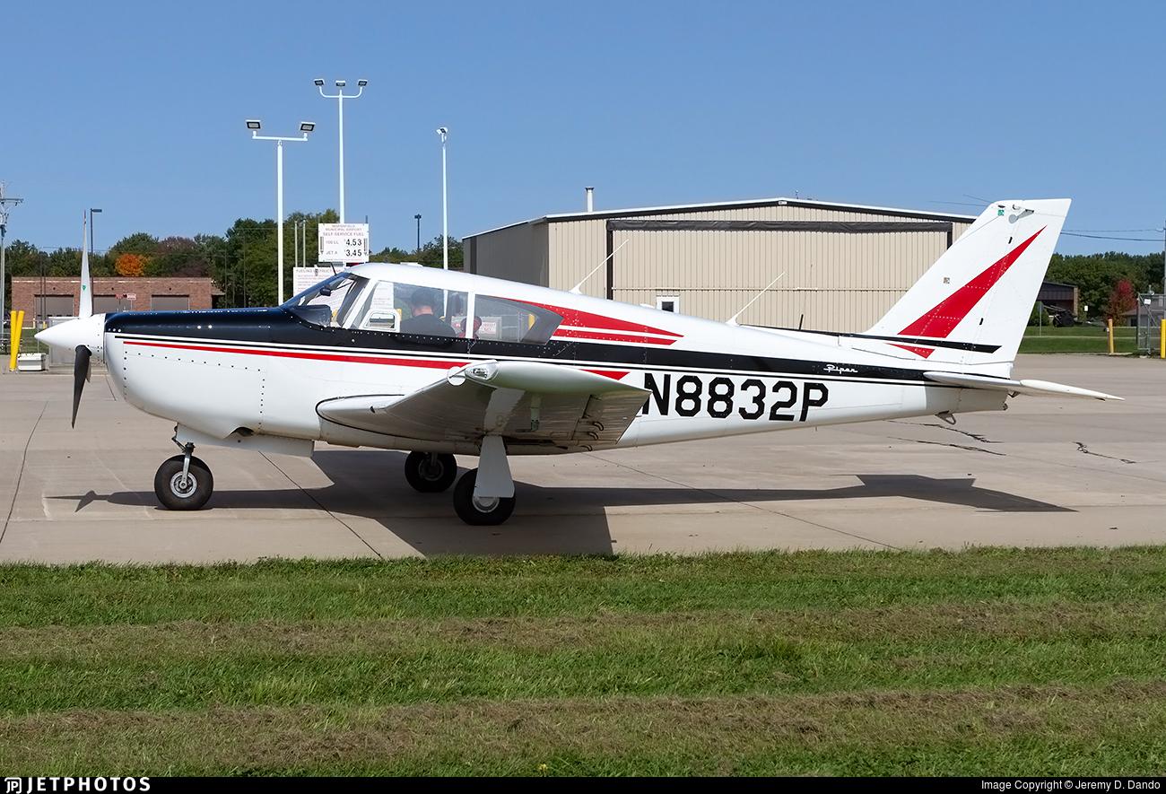 N8832P - Piper PA-24-260 Comanche - Private