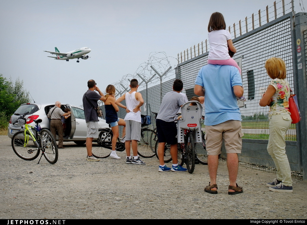 LIPE - Airport - Spotting Location