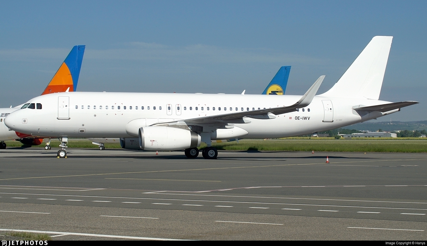 OE-IWV - Airbus A320-232 - Untitled