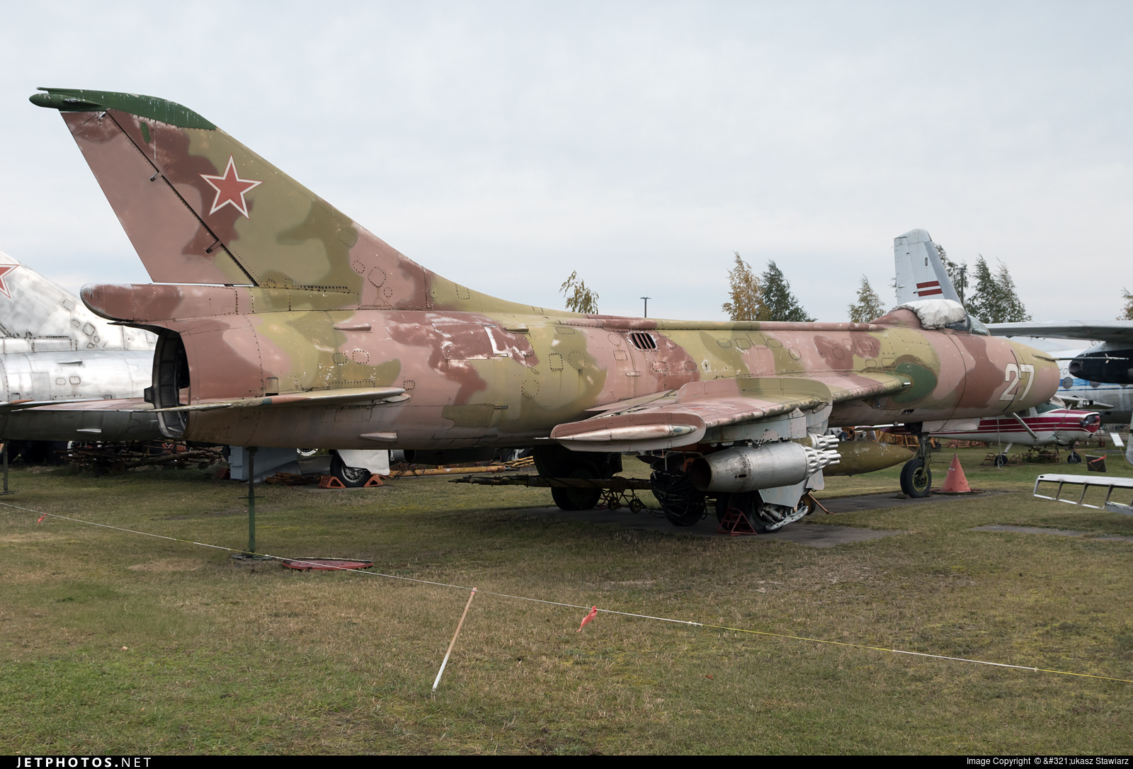 27 - Sukhoi Su-7BKL Fitter A - Russia - Air Force