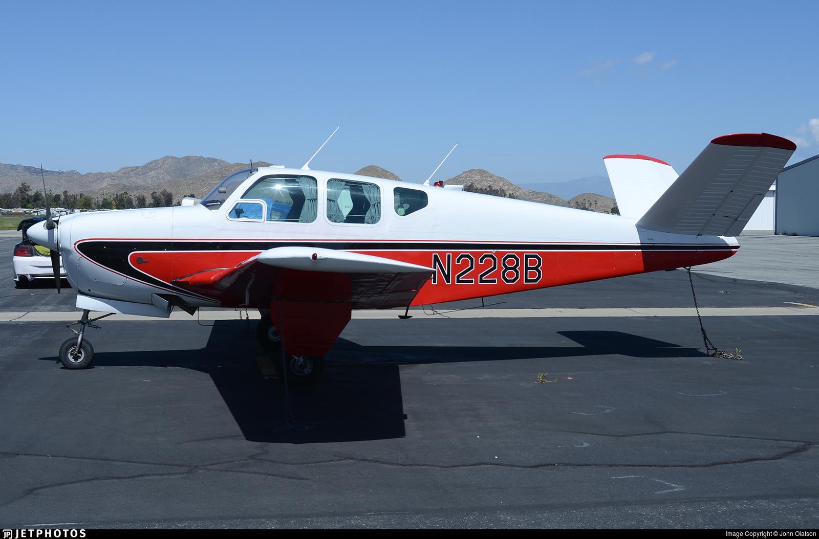 N228B - Beechcraft G35 Bonanza - Private