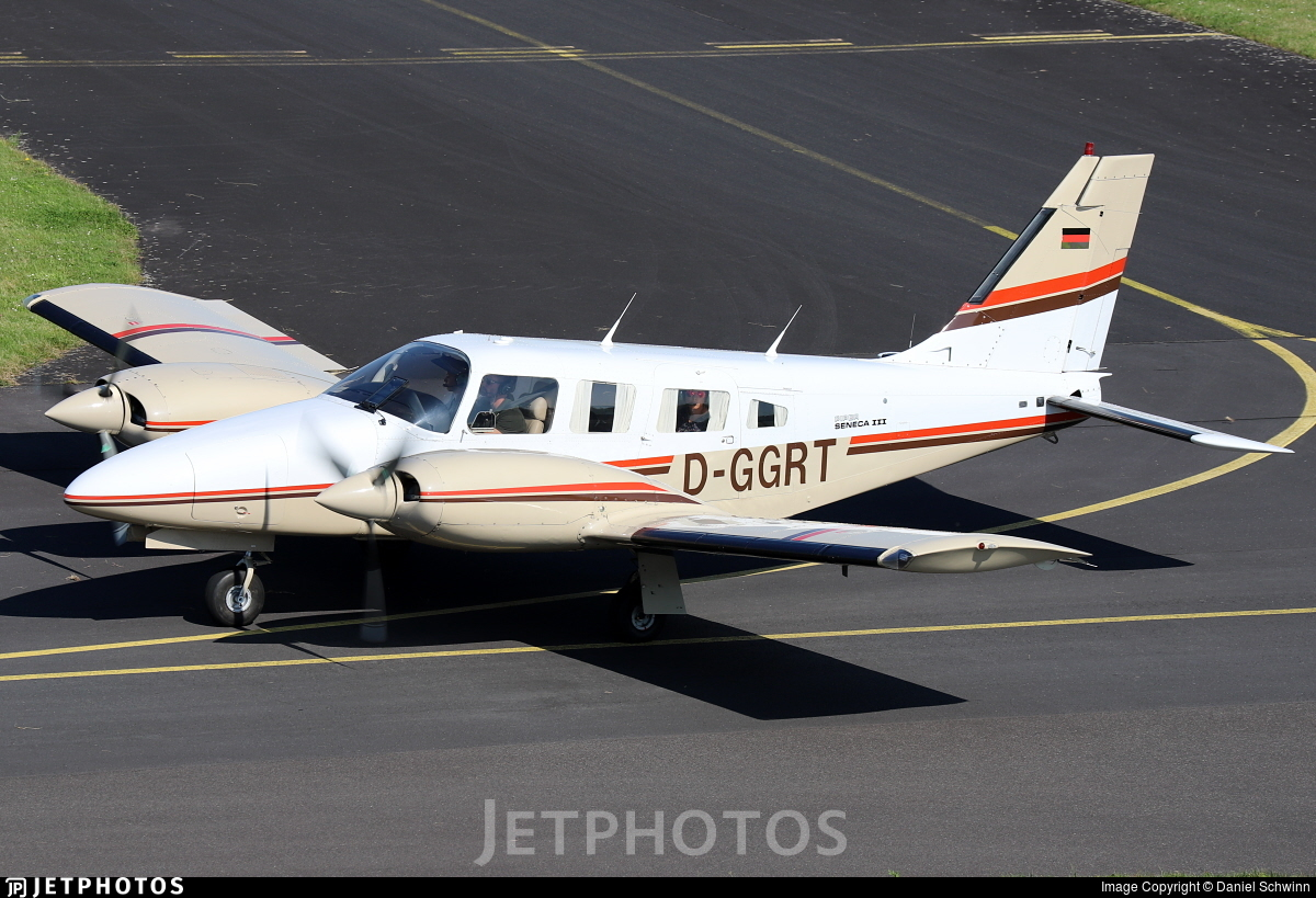 D-GGRT - Piper PA-34-220T Seneca III - Private