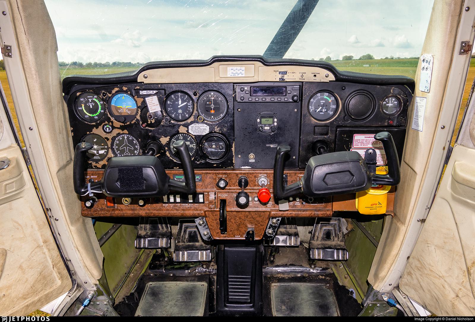 G-BGAA - Cessna 152 - Stapleford Flying Club