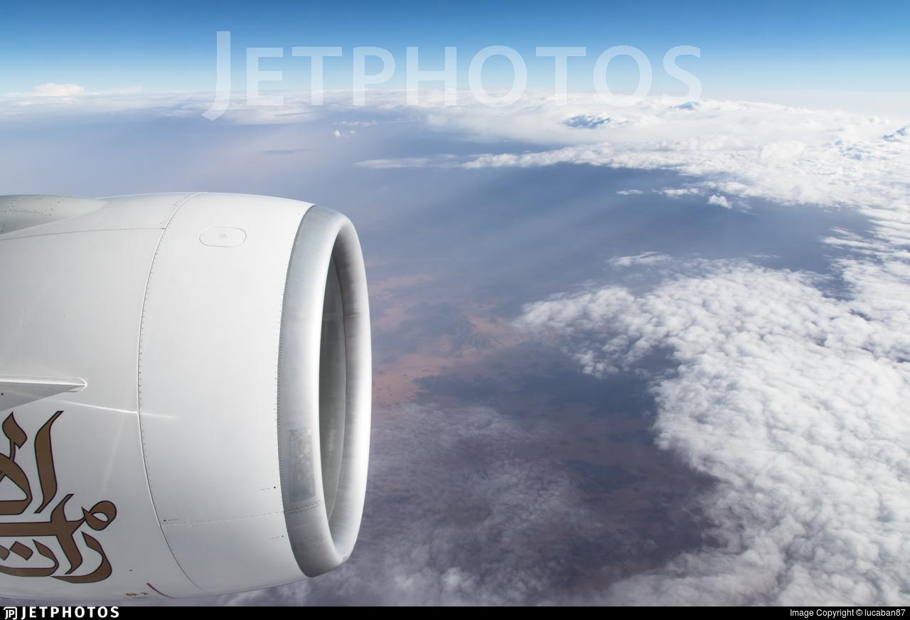 A6-EPQ - Boeing 777-31HER - Emirates