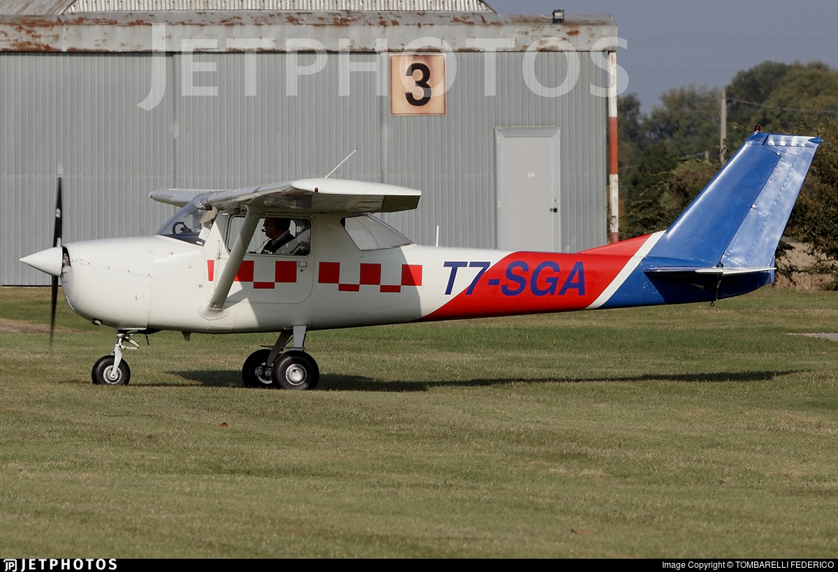 T7-SGA - Cessna 172M Skyhawk II - Private