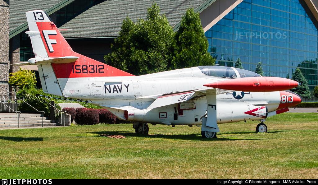 158312 - North American T-2C Buckeye - United States - US Navy (USN)