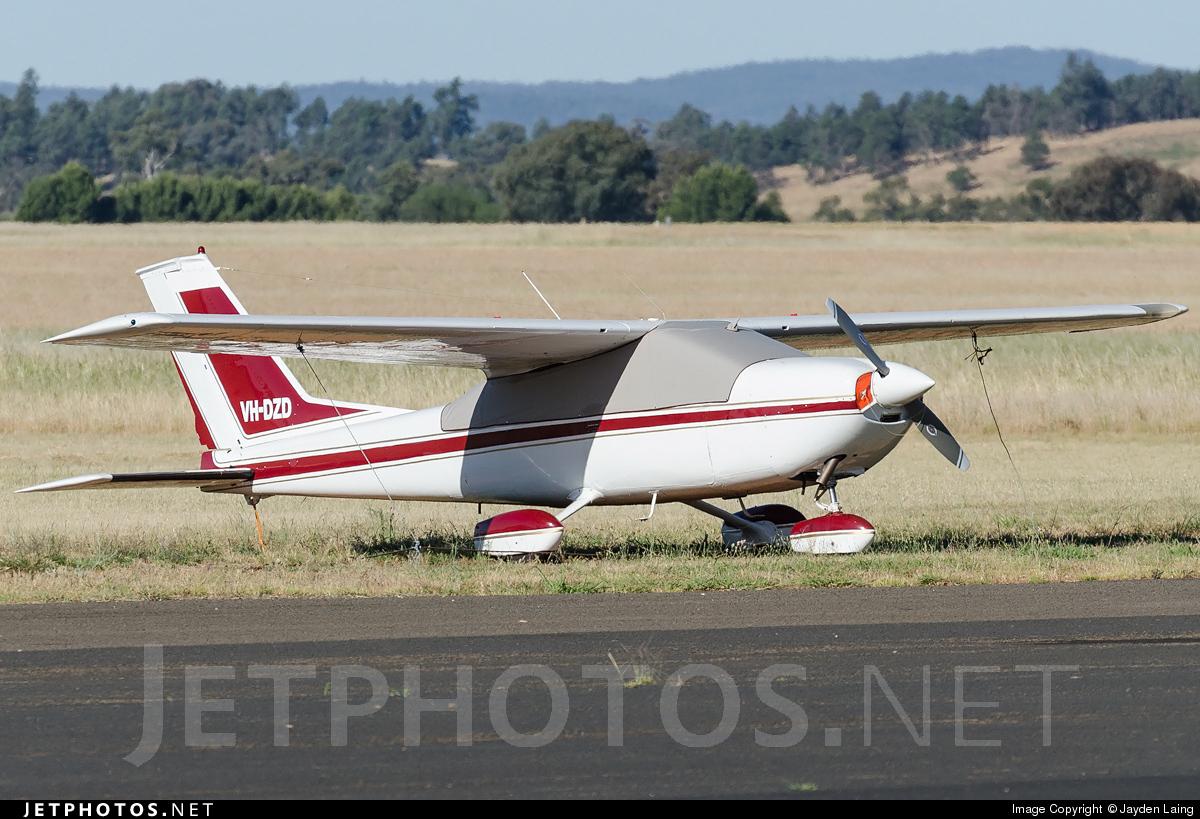 VH-DZD - Cessna 177 Cardinal - Private