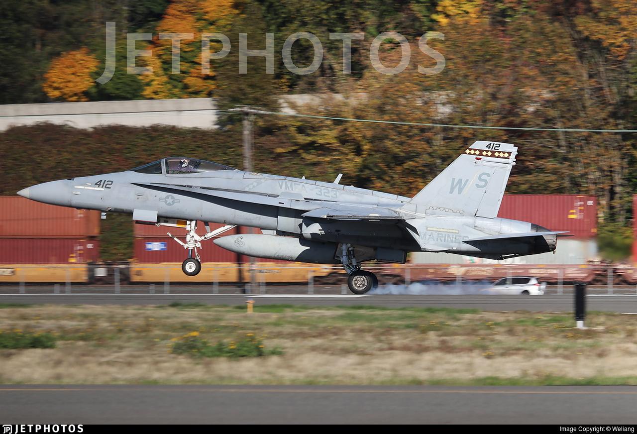 164715 - McDonnell Douglas F/A-18C Hornet - United States - US Marine Corps (USMC)