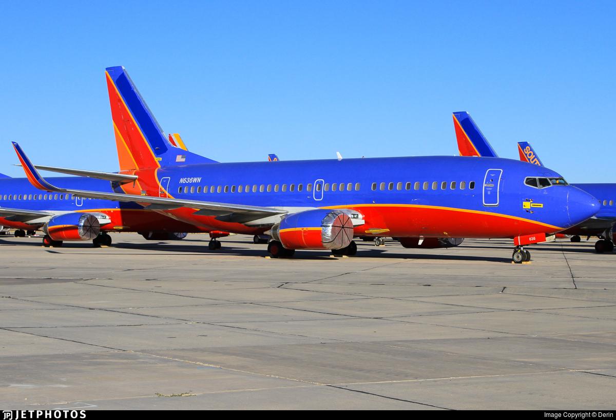 N636WN - Boeing 737-3H4 - Untitled