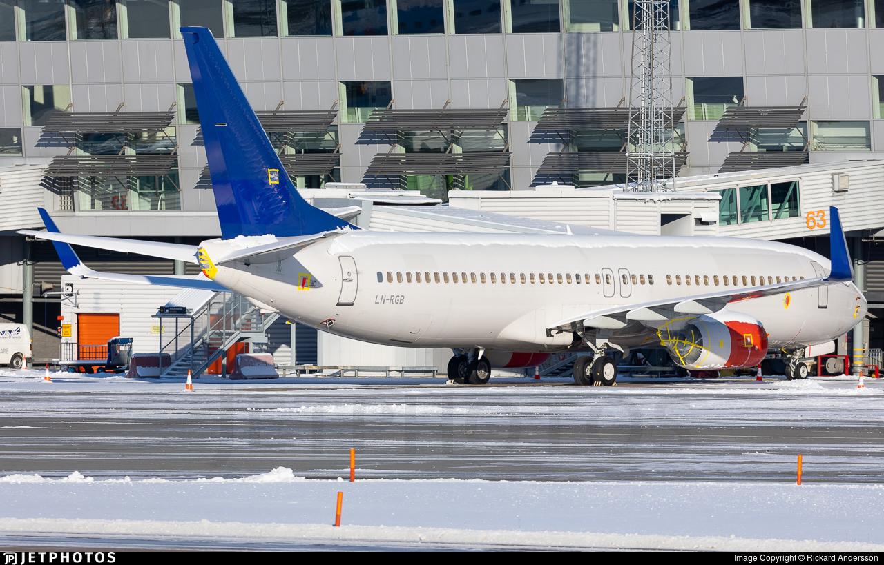 LN-RGB - Boeing 737-86N - Scandinavian Airlines (SAS)