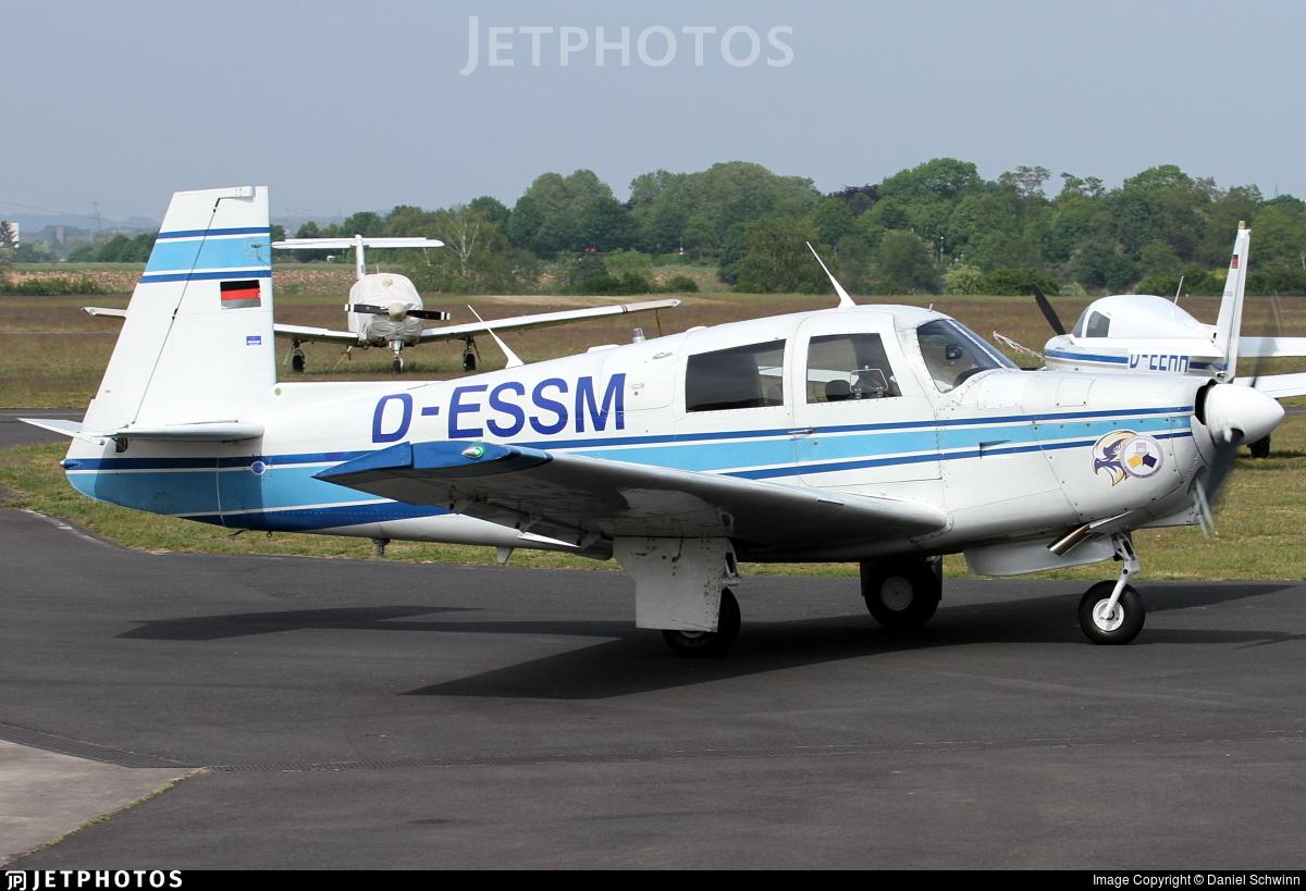 D-ESSM - Mooney M20C - Private