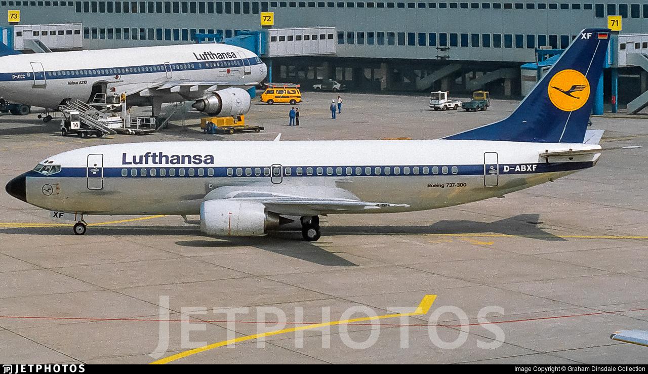 D-ABXF - Boeing 737-330 - Lufthansa