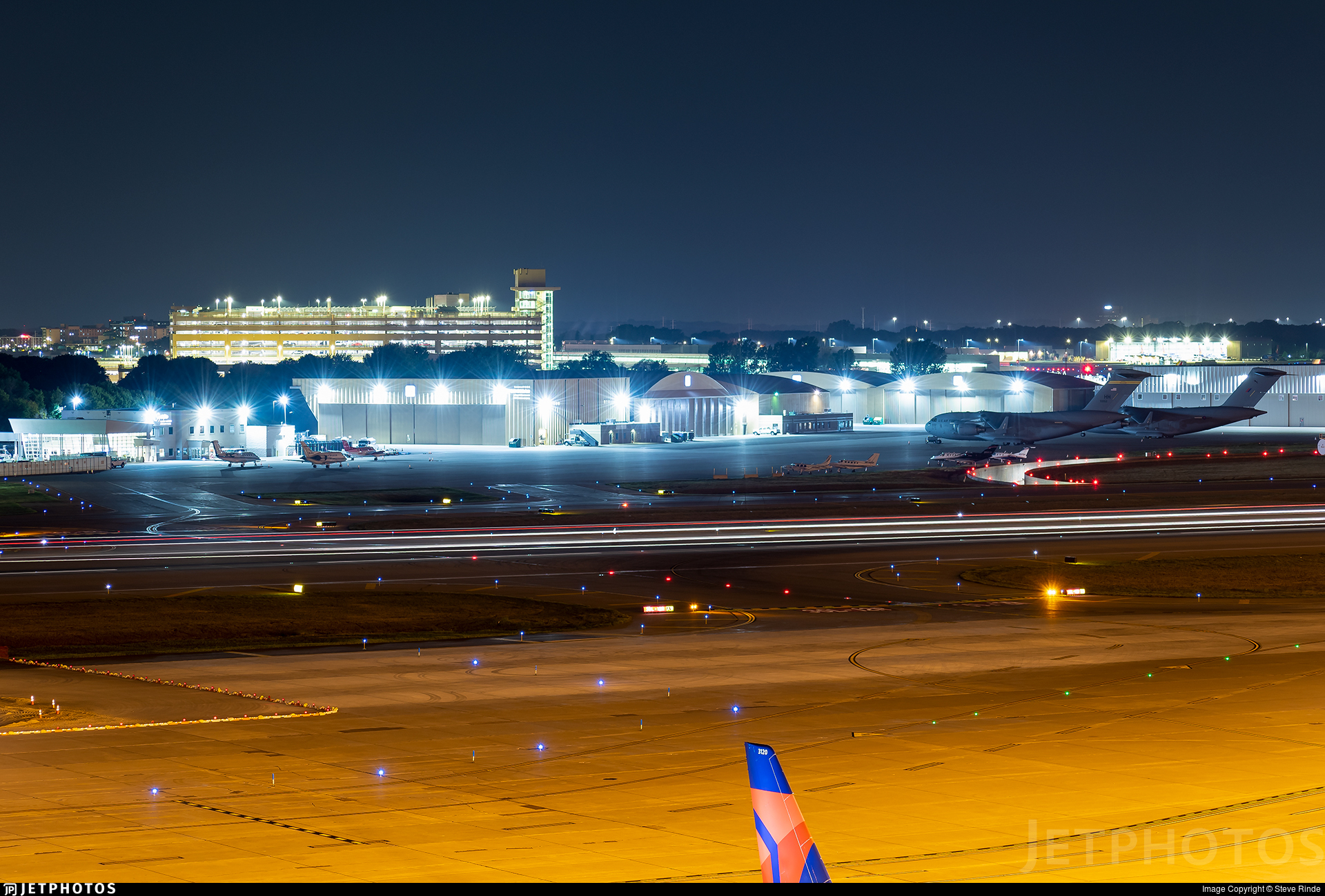 KMSP - Airport - Airport Overview