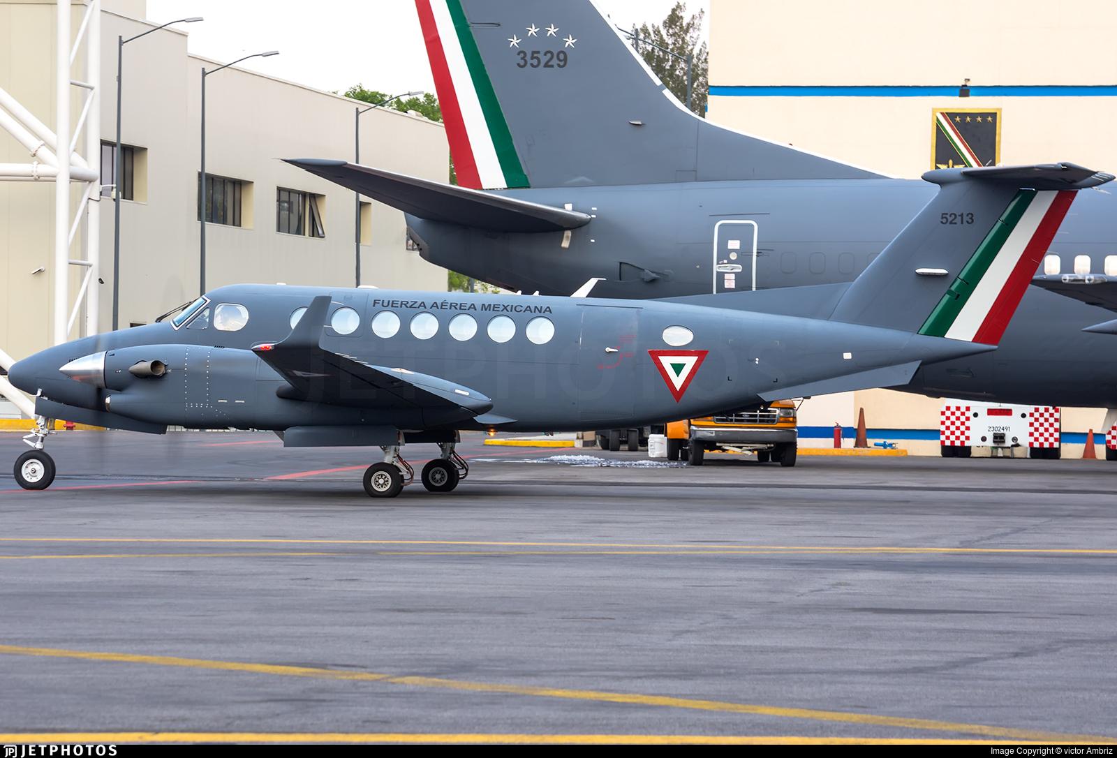 5213 - Beechcraft B300 King Air 350i - Mexico - Air Force