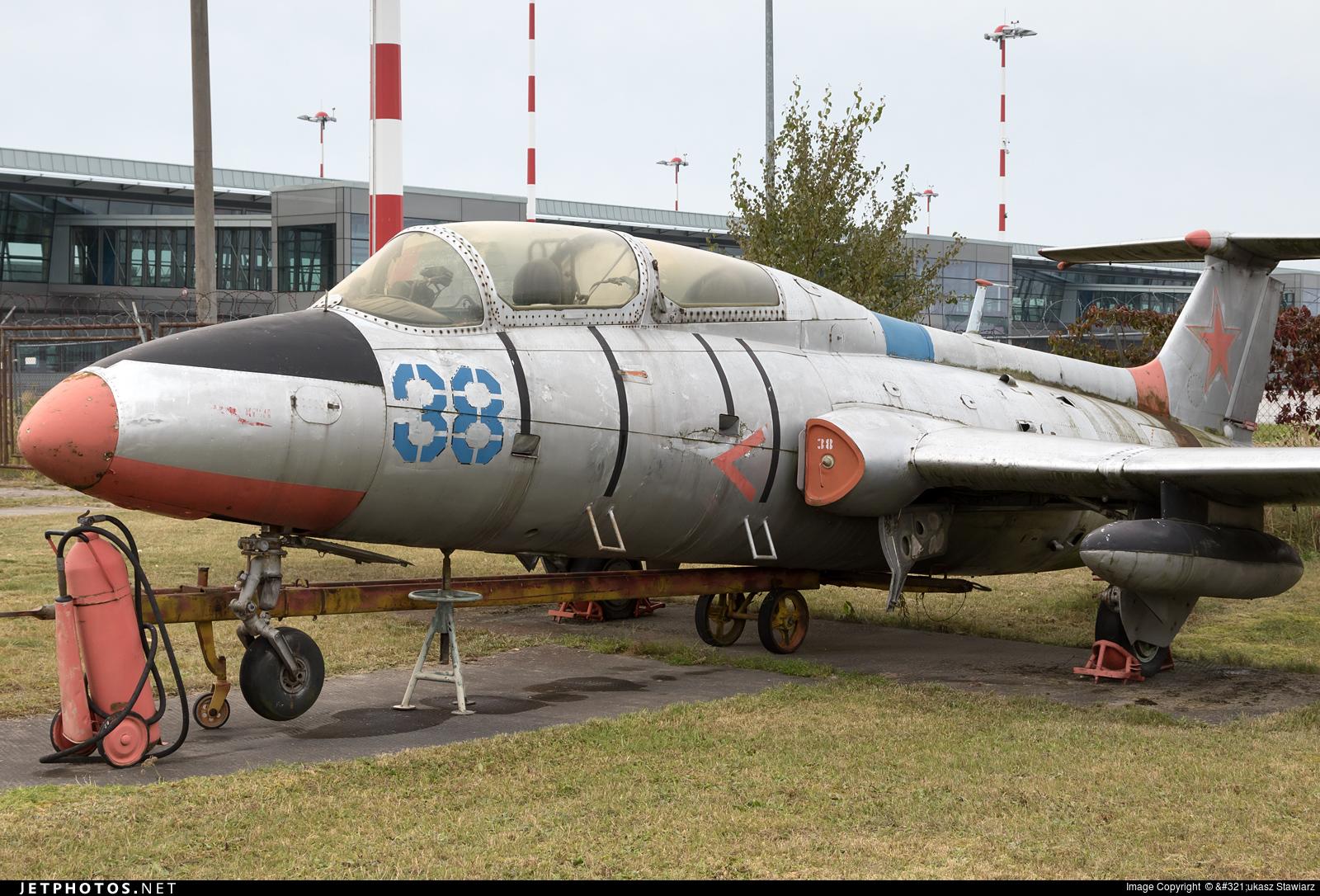 38 - Aero L-29 Delfin - Russia - Air Force