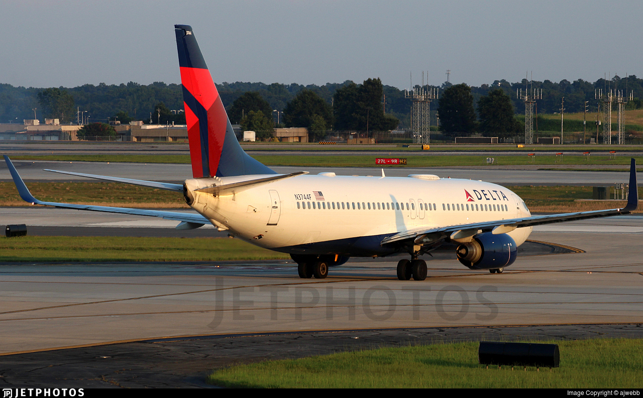 N3744F - Boeing 737-832 - Delta Air Lines