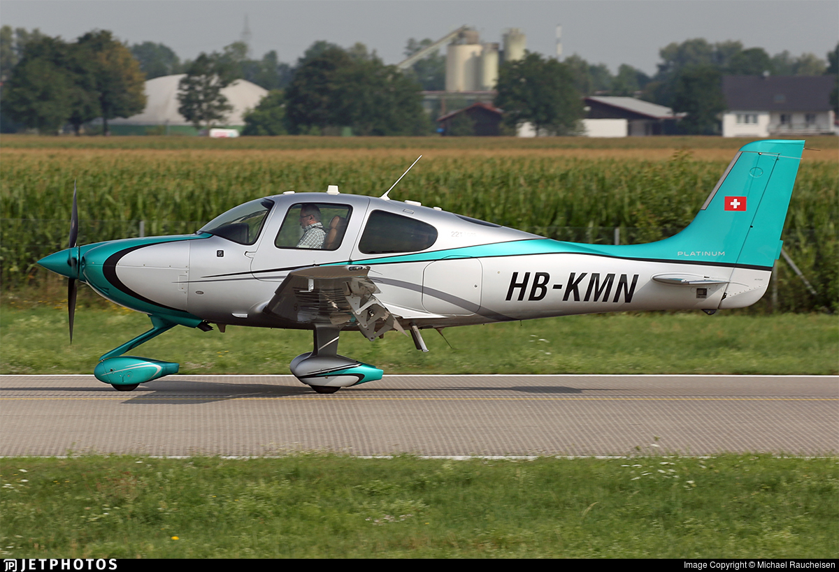 HB-KMN - Cirrus SR22 Platinum - Private