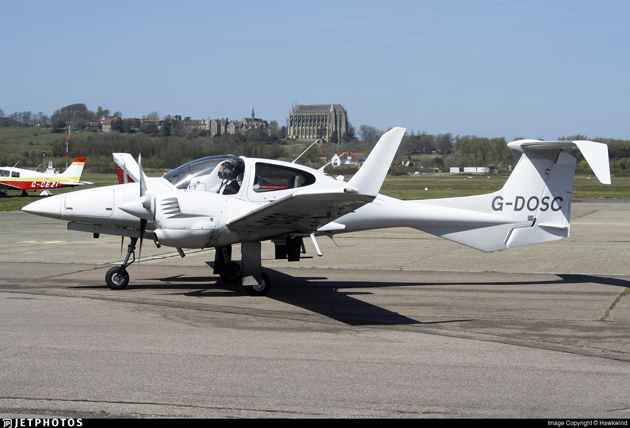 G-DOSC - Diamond DA-42 MPP - Acrobat