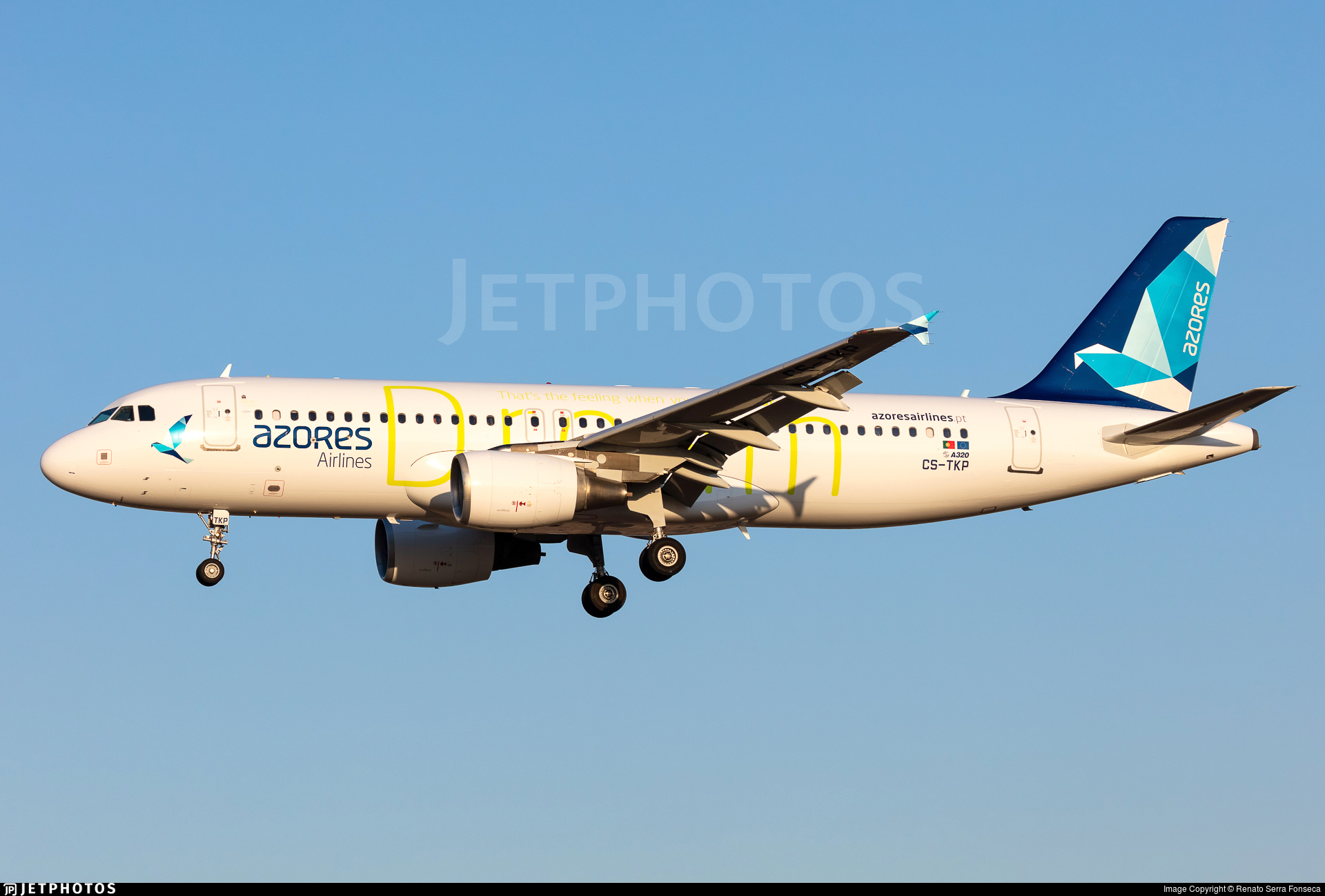 CS-TKP - Airbus A320-214 - Azores Airlines