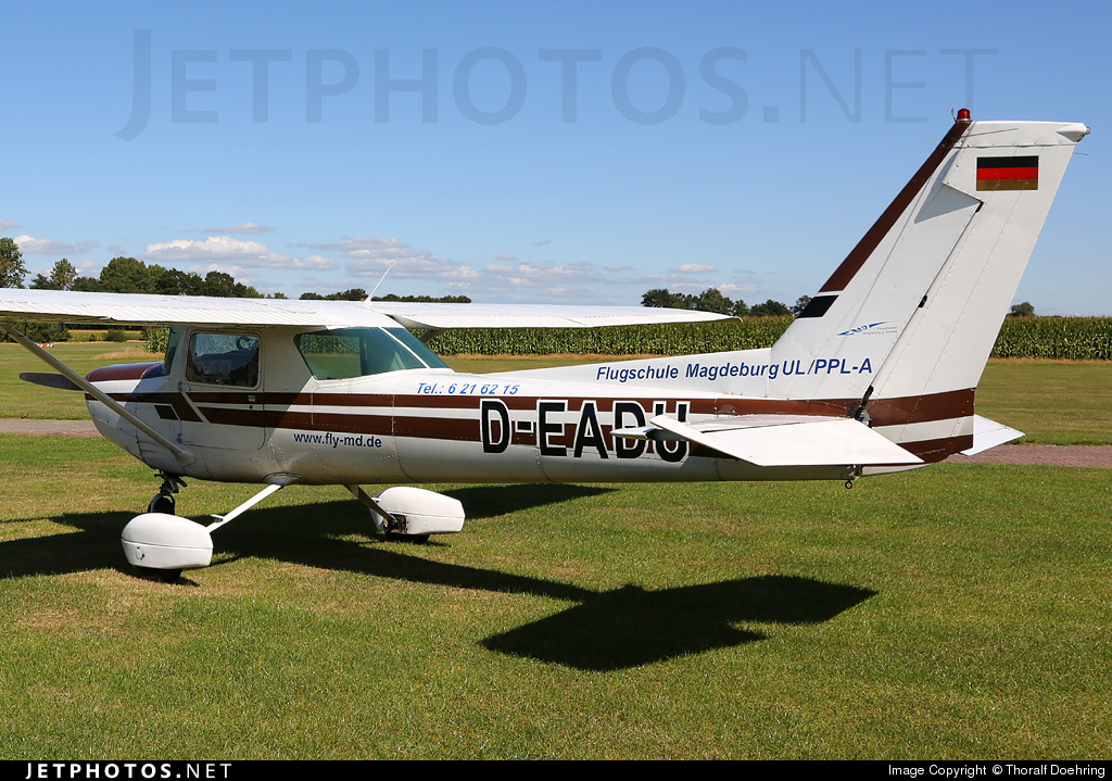 D-EADU - Cessna 152 - Private