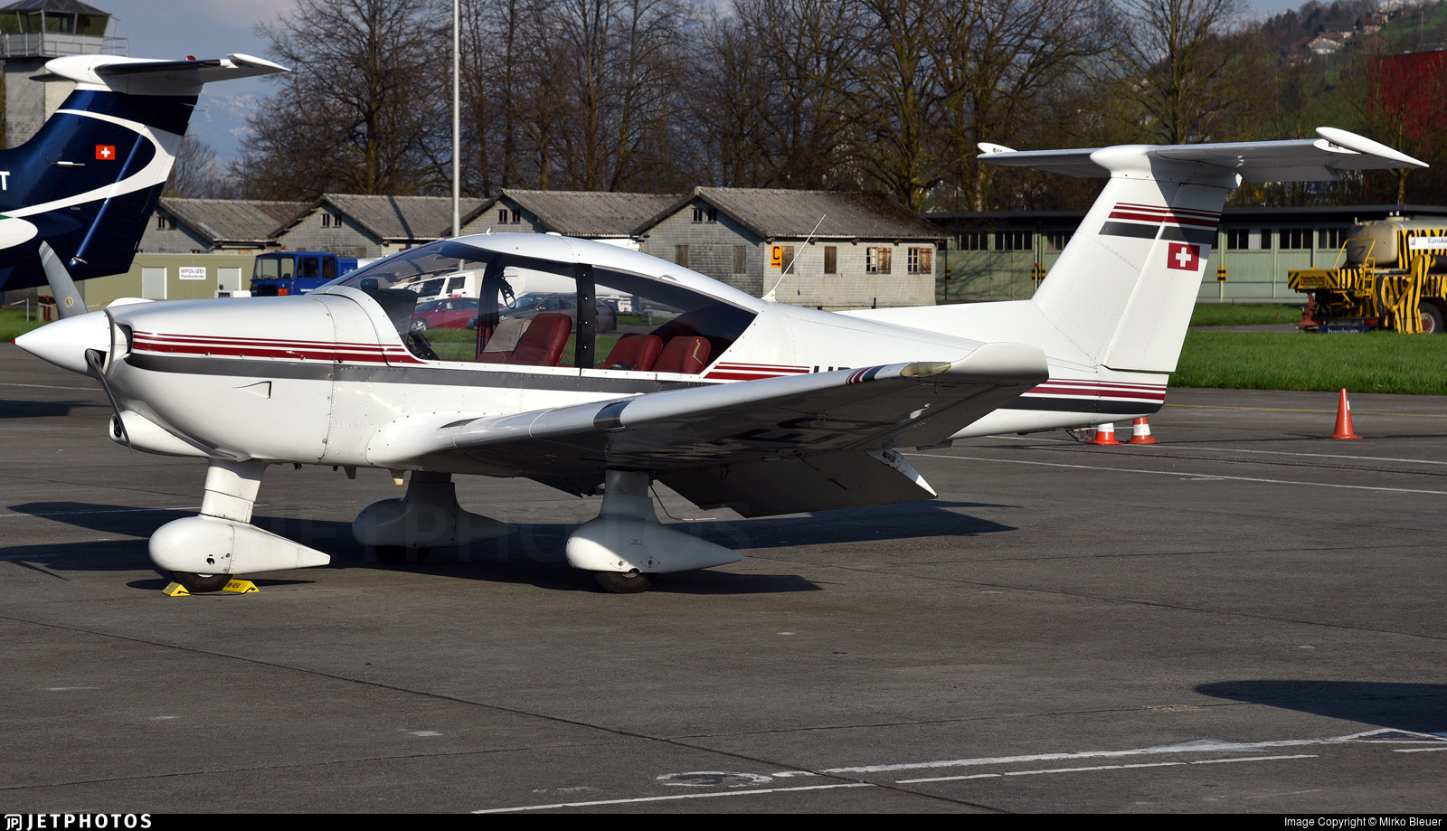 HB-KEQ - Robin R3000/160 - Private