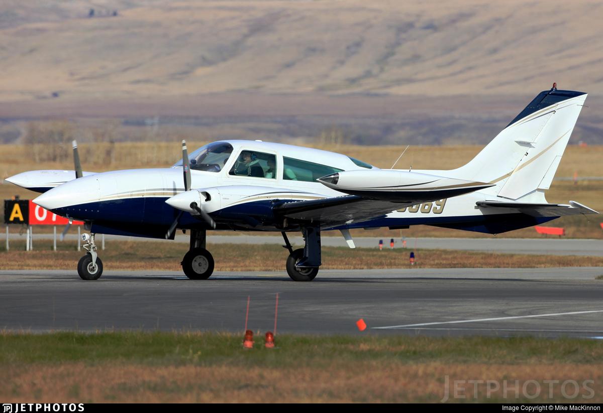 N98869 - Cessna T310R - Private