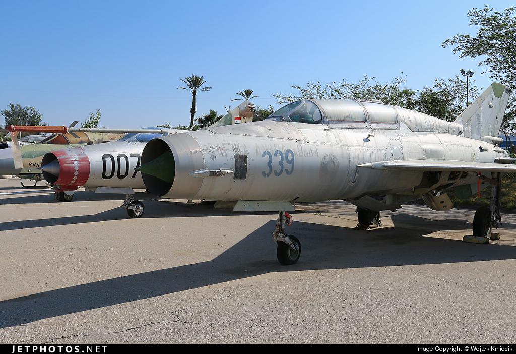 339 - Mikoyan-Gurevich MiG-21UM Lancer B - Madagascar - Air Force