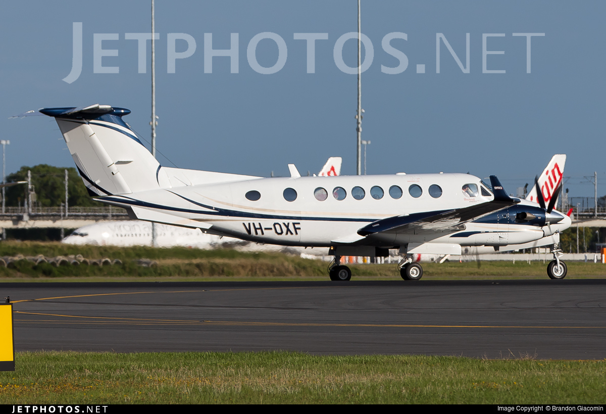 VH-OXF - Beechcraft B300 King Air - Private