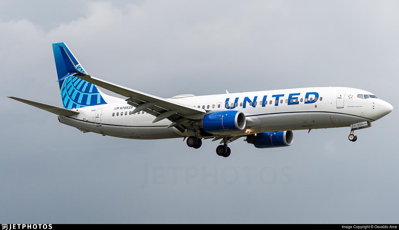 N76529 - Boeing 737-824 - United Airlines
