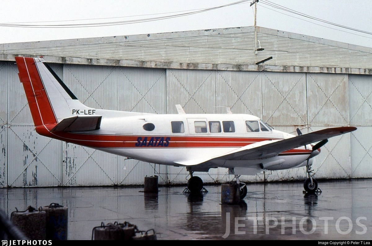 PK-LEF - Beechcraft 65-B80 Queen Air - South Australian and Territory Air Services - SAATAS