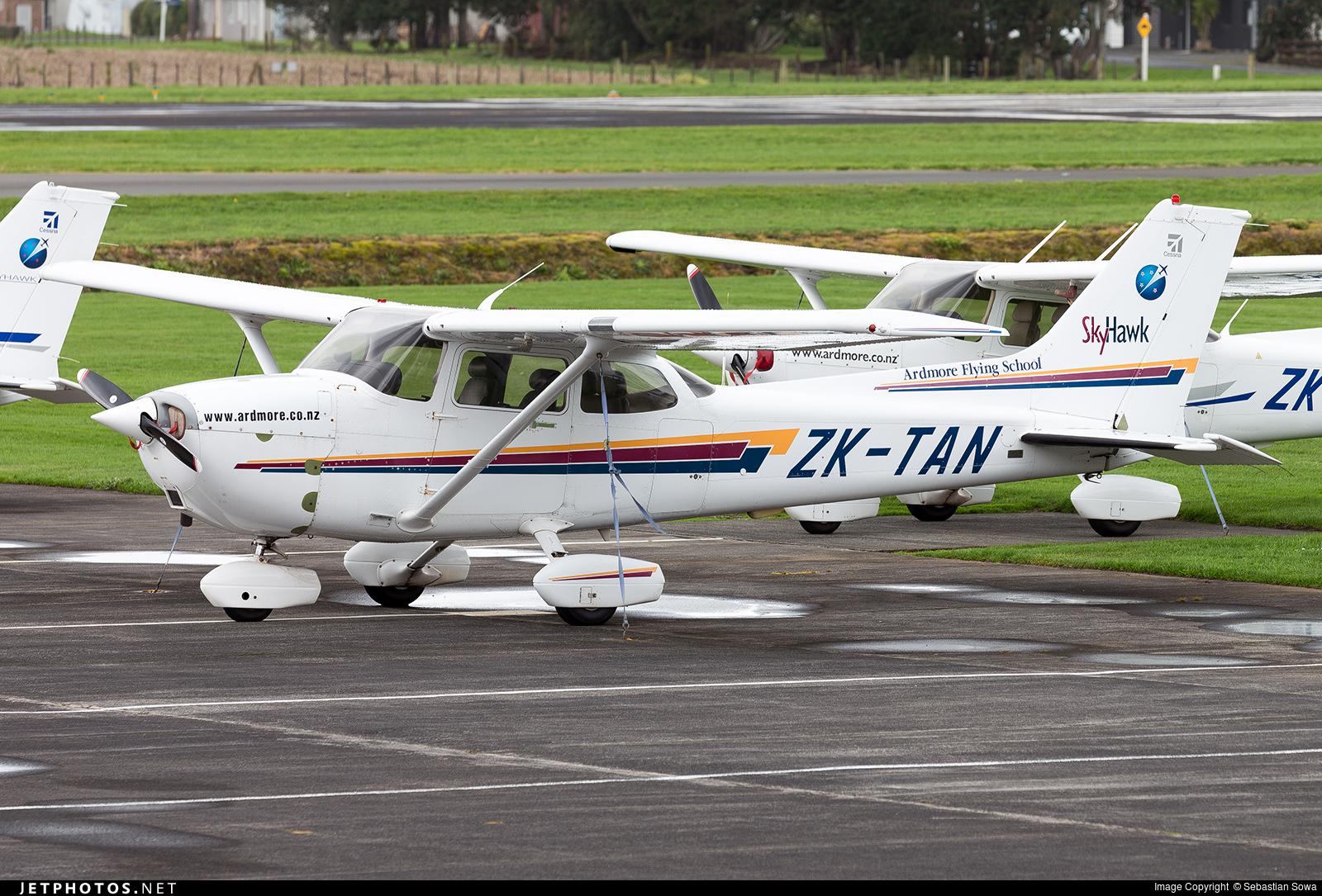 ZK-TAN - Cessna 172R Skyhawk II - Ardmore Flying School