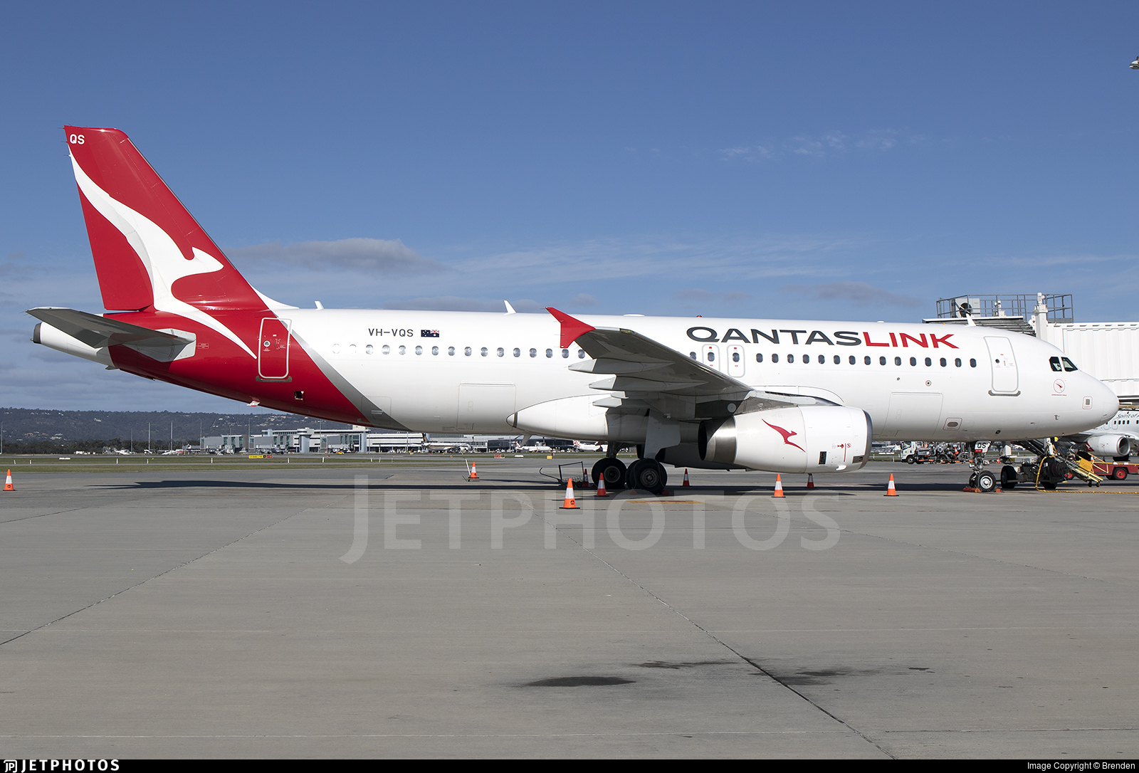 VH-VQS - Airbus A320-232 - QantasLink (Network Aviation)