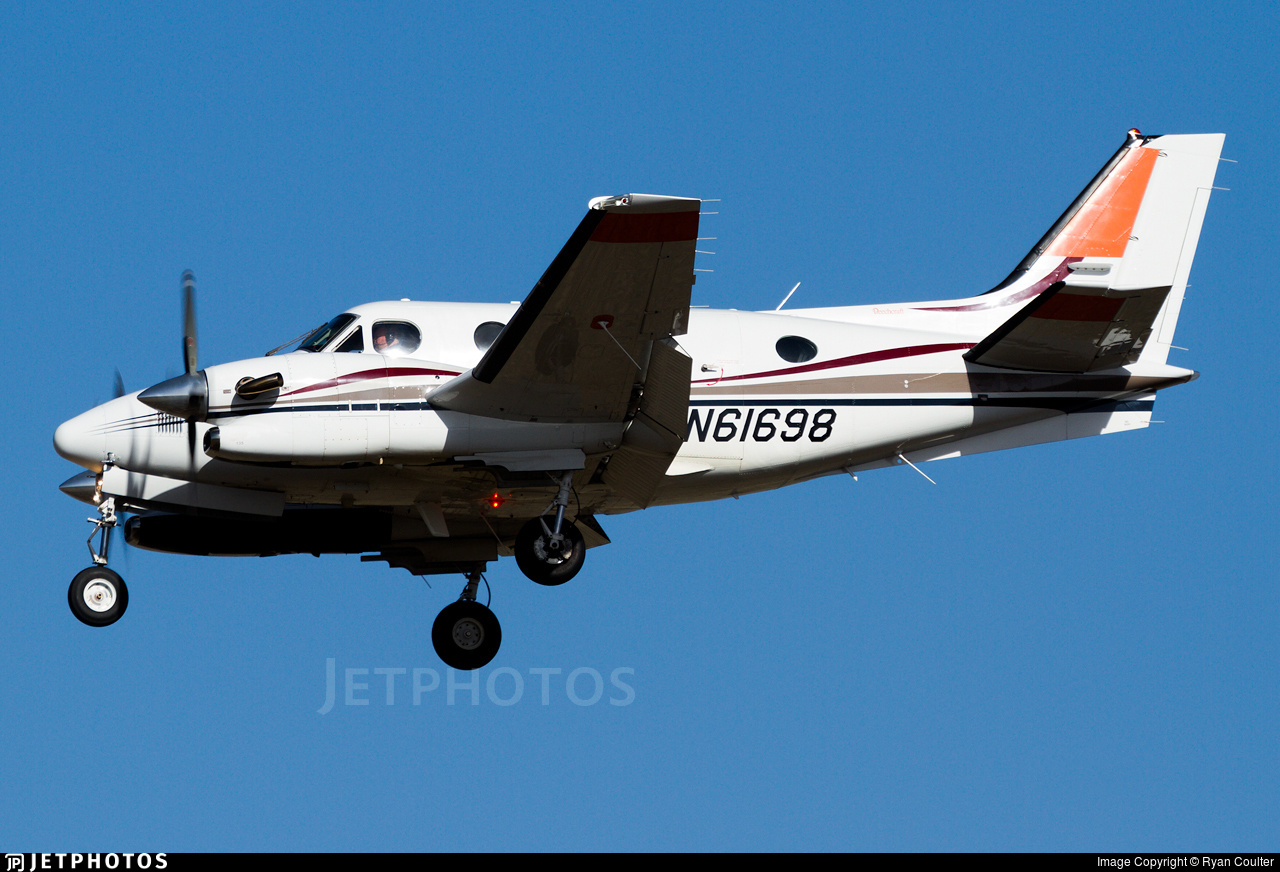 N61698 - Beechcraft C90A King Air - Private
